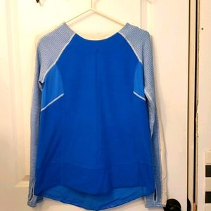 Lululemon long-sleeved jogging top